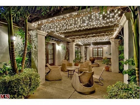 Outdoor sitting area with outdoor string lights
