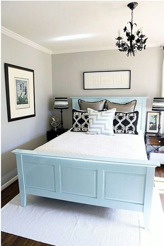 Guest bedroom idea. #babyblue #silver #black detail #white #cleanlines #classic #pattetns