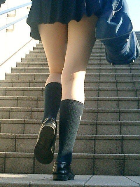 【画像あり】 関西出身者だがjkのスカートが短い地域では   これはエロい速報