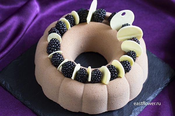"""Торт с ежевикой """"Murano"""""""