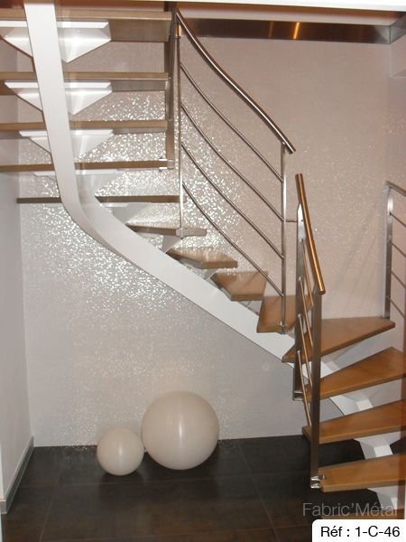 Best 25 escalier 2 quart tournant ideas on pinterest for Escalier bois double quart tournant