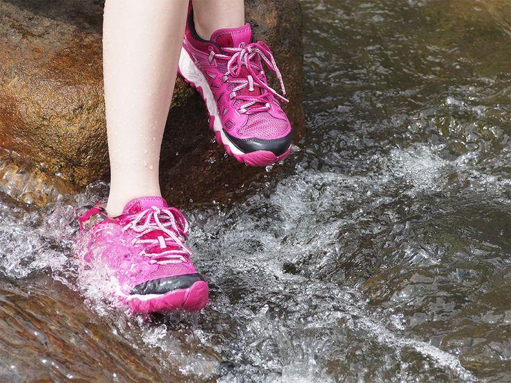 夏季戲水挑對鞋 上山下水任妳遊