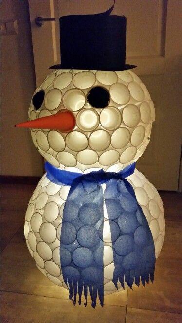 Sint surprise sneeuwpop, met verlichting erin