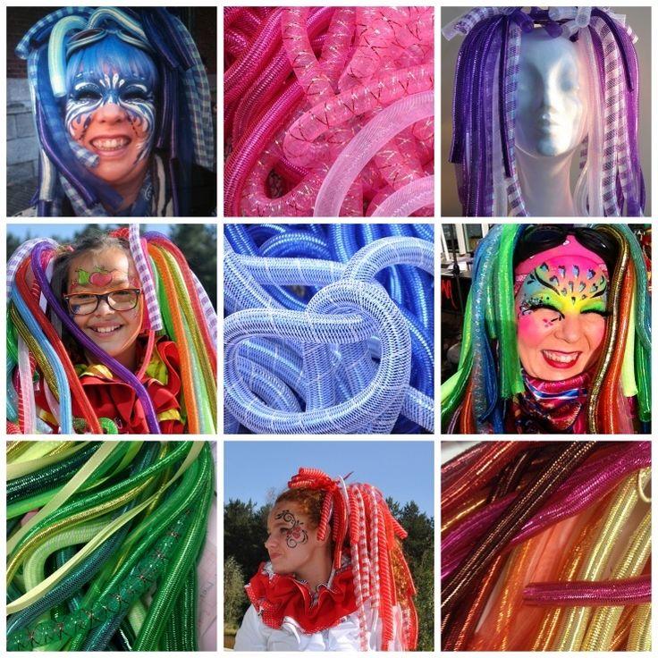 Wij verkopen als enige reseller de enige echte CrazyCurls!Lichtgewicht pijpenkrullen voor in je eigen haar of gecombineerd met een pruik (pruik niet inbegrepen). De ultieme trend op carnavalsgebied!De CrazyCurls worden alleen als kant-en-klare staart op elastiek verkocht.