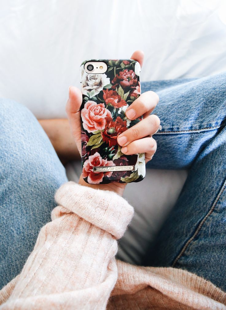 Antique Roses by lovely @emmamelins - Fashion case phone cases iphone inspiration iDeal of Sweden #roses #floral #flower #red #pink #fashion #inspo #iphone