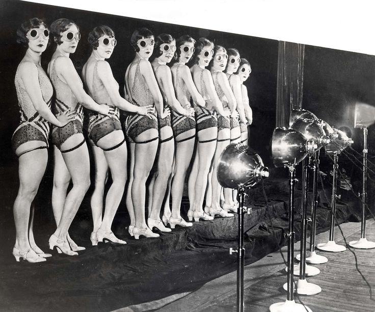 A chorus line of goggled Nanas.