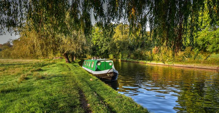 An Autumn morning on the River Wey in Guildford
