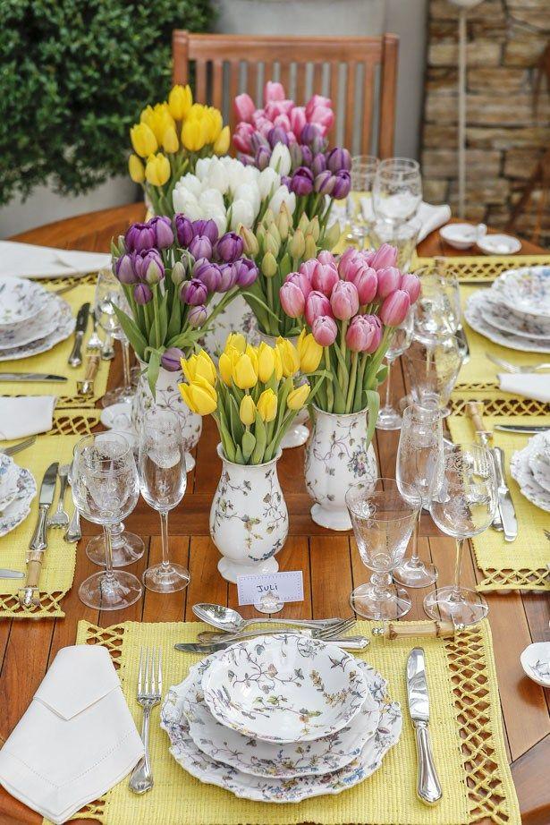 Para nós, é impossível olhar para a Coleção Imperatriz e não imaginar um magnífico jardim. Por isso, nossa mesa não poderia ter sido montada em outro lugar senão ali, entre flores e plantas.