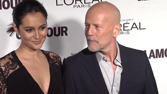 Bruce Willis and wife Emma grab breakfast in New York before watching Wladimir Klitschko | Daily Mail Online