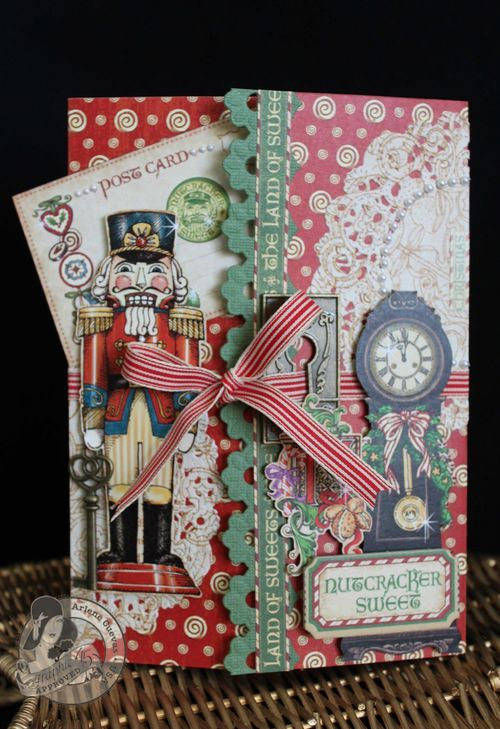 This is a stunning pocket card by @Arlene Butterflykisses using Nutcracker Sweet! She used the Ornate Metal Keyholes to create the card closure - so beautiful! #graphic45 #cards