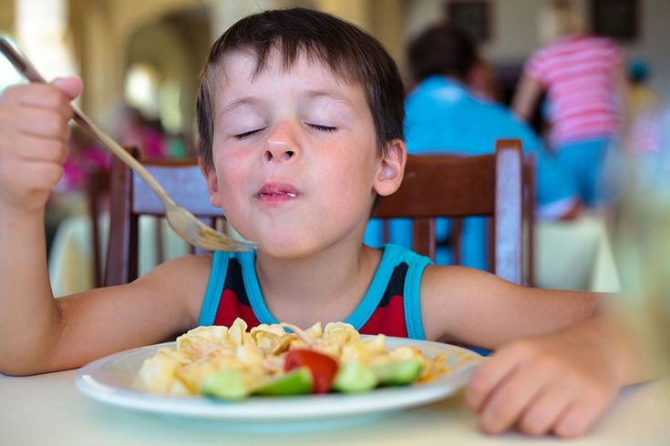 When my kids were around 2-3 years old, they were happily subsisting on a strict diet of macaroni and cheese and goldfish crackers. Trying new foods was a joke. Despite all my efforts to tri…