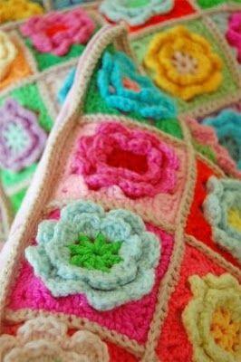 Crochet flower cushion detail! Beautiful colors!