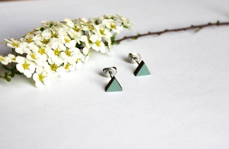 Een persoonlijke favoriet uit mijn Etsy shop https://www.etsy.com/nl/listing/522860279/houten-oorbellen-driehoek-oorbellen