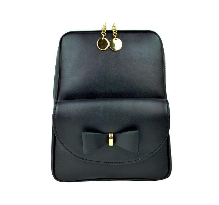 Exkluzívny kožený ruksak z pravej hovädzej kože. Všestranné využitie našich kožených luxusných ruksakov Vás rozhodne milo prekvapí. https://www.vegalm.sk