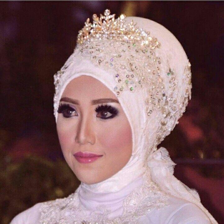 Rias pegantin mulim by ZF makeup. CP: 085725257572