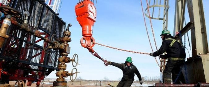 Oil industry || Image Source: http://cdn.oilprice.com/images/articles/homepage_main/9a6af076ef9c50d8b10f54d32325dc34.jpg