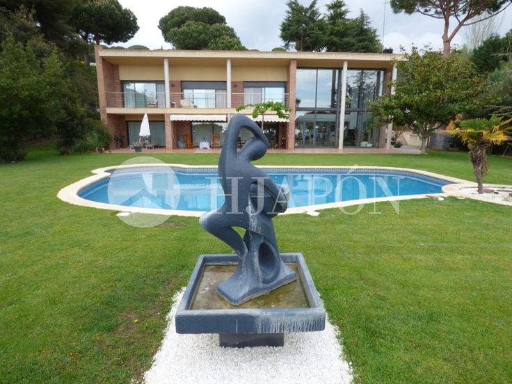 Exclusive luxury villa for sale in Llavaneras, at Rocaferrera residential complex, Spain