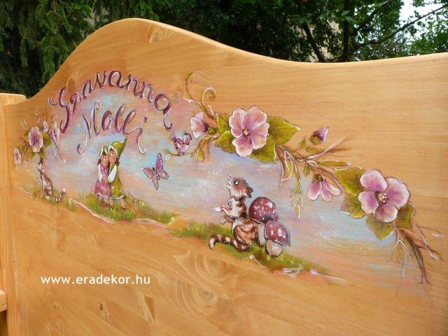 """""""Vidám mesék"""" mesemintával festett egyedi gyerekágy. Fotó azonosító: AGYSZAVANNA5"""