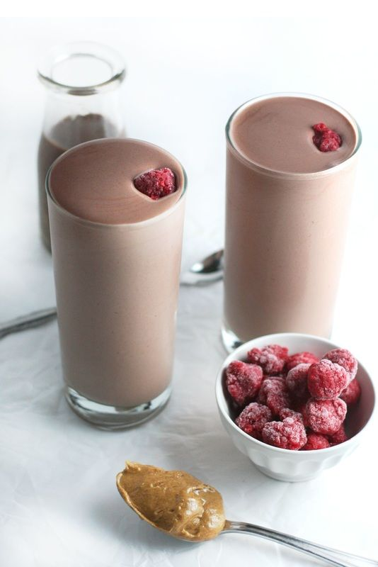 Chocolate Raspberry Almond Butter Protein Shake (healthy, post workout recipe) via www.droolworthydaily.com