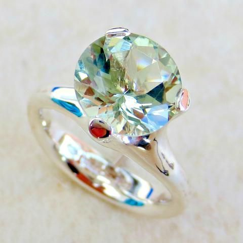 """Decidedly sinful but elegantly simple. This is the kind of """"princess"""" rings you would have dreamed about as a little girl. jewelry 