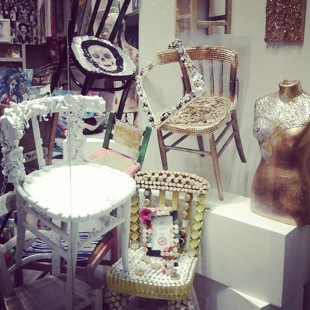 Visual Merchandising | Display | Chairs - Love this!