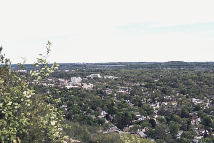 hiking-dundas-peak-ontario
