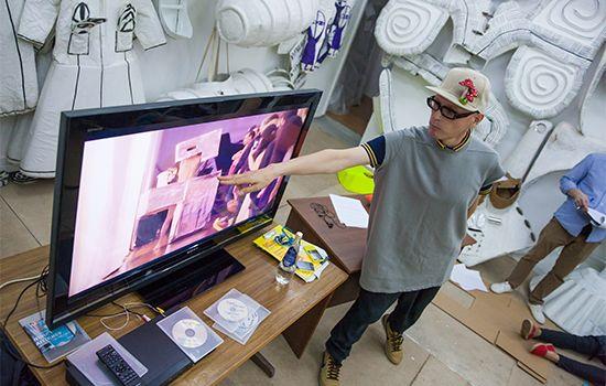 Андрей Бартенев провел второй мастер-класс серии БВШД «Уникальный авторский стиль художника» / Британская высшая школа дизайна