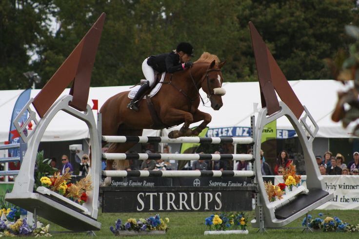 Katie McVean and Dunstan Springfield on their way to winning the Olympic Cup