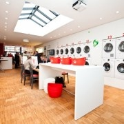 Wash & Coffee ร้านซักผ้าที่ไม่ธรรมดา