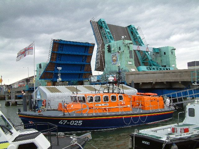 Poole Lifting Bridge and RNLI Lifeboat