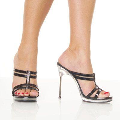 Lacksandalen mit Strass Verzierung: Größe: 41 für 49 € http://www.schwarzemode.de/shop-html-MK,,Schuhe+-+Stiefel,,MK2,,Sonderangebote #Strass Sandalen #Lacksandalen #Highheels