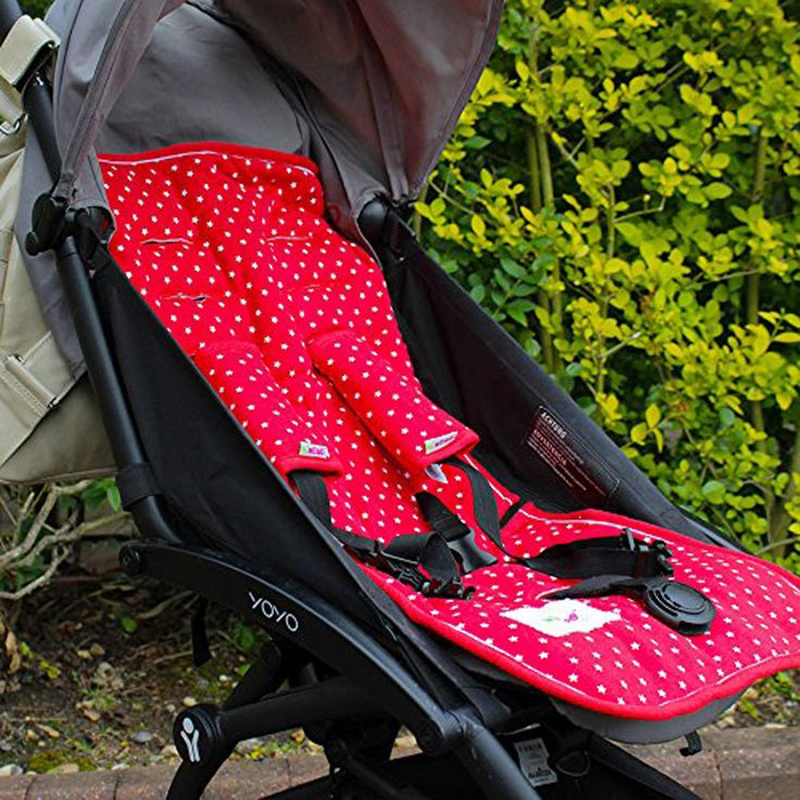 Villa-Sternenstaub   Sitzschoner Set rot mit Sterne   - Material: 100% Baumwolle - passt in alle Modelle! Mit Gurtschlitzen für den 5-Punkt-Gurt ausgestattet. - in Geschenktasche verpackt - Maschinenwäsche