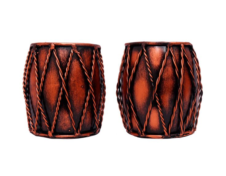 Sturdy structure, intricate details and smooth finish makes this Traditional Dholak Pen Stand a must-have addition for your home and office décor