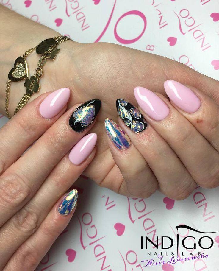 Gel Polish Rose Quartz + Folia Mirror Effect by Indigo Educator Ania Leśniewska #pink #pastel #light #mirror #effect #foil #magic #wow #omg