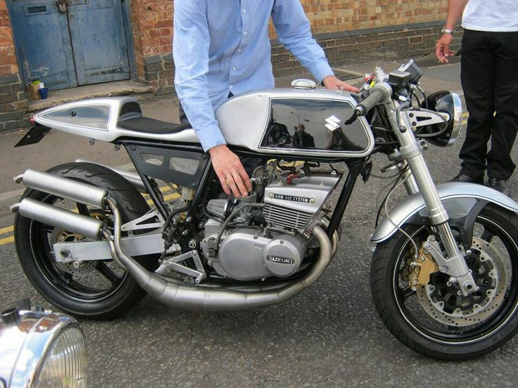suzuki gt 380 cafe racer custom motorcycles pinterest. Black Bedroom Furniture Sets. Home Design Ideas