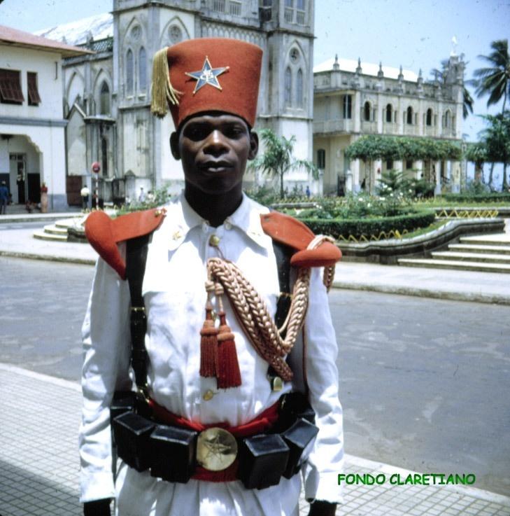 santa isabel guardia colonial de gala y catedral #equatorial #guinea