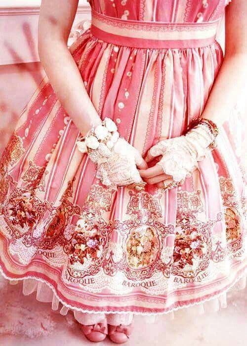#Lolita #HimeLolita #LolitaMode #LolitaFashion #LolitaStyle #Pink #Girl #JapaneseMode #Kawaii #Cute #Dress