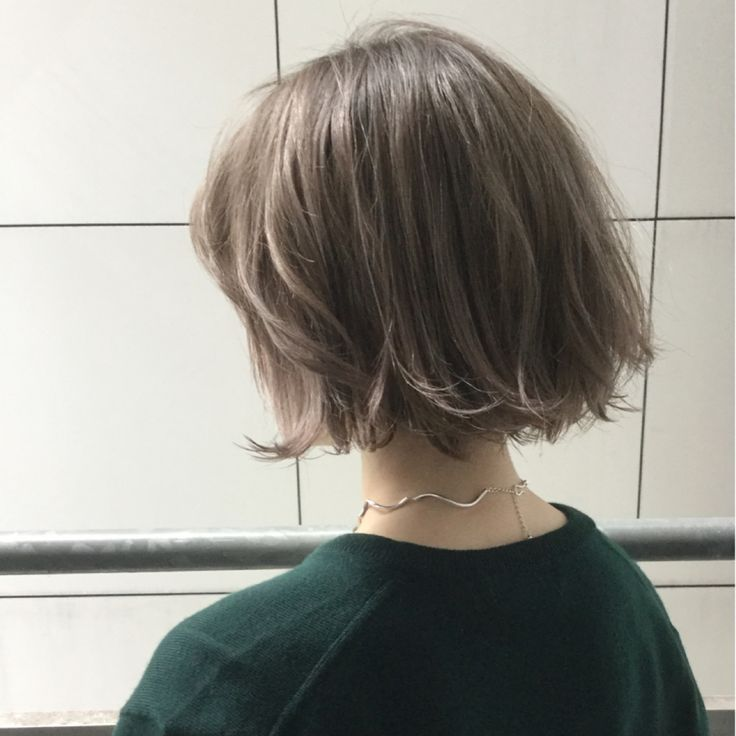 HAIR(ヘアー)はスタイリスト・モデルが発信するヘアスタイルを中心に、トレンド情報が集まるサイトです。10万枚以上のヘアスナップから髪型・ヘアアレンジをチェックしたり、ファッション・メイク・ネイル・恋愛の最新まとめが見つかります。