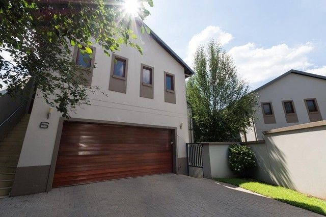 4 Bedroom Townhouse For Sale in Bryanston | Meridian Realty