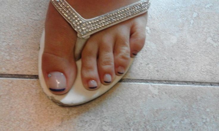 #frenchpedicure #shellac
