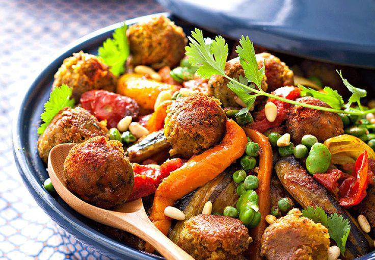 Retrouvez la recette duTajine végétarien de légumes et falafels