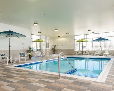 Hampton Inn & Suites Airdrie Hotel, CA - Indoor Pool