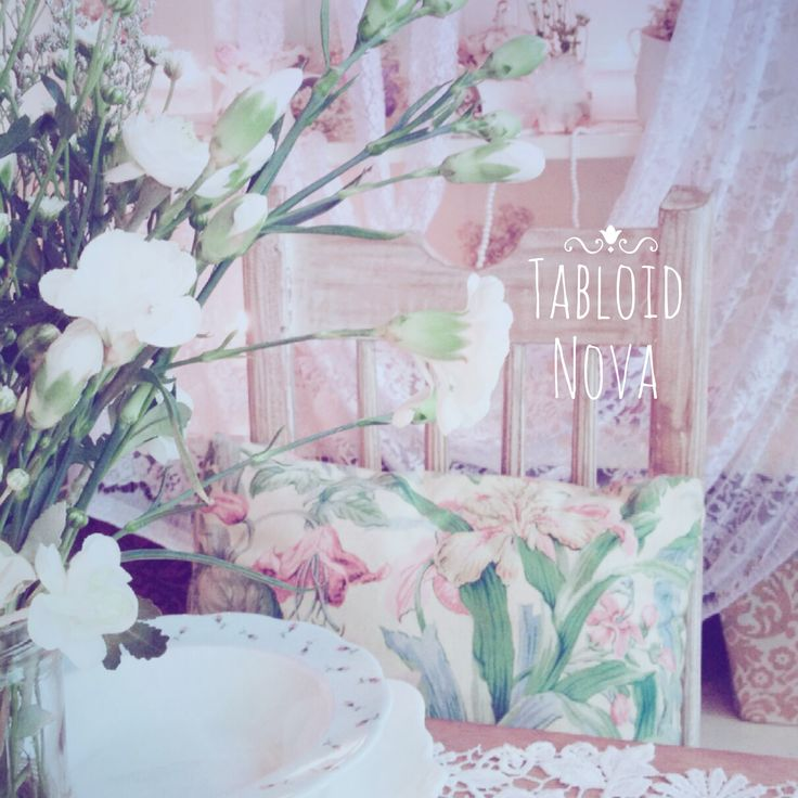 Romantic #TableSetting with touch of #lace and #floral for your afternoon delight at #TabloidNova.