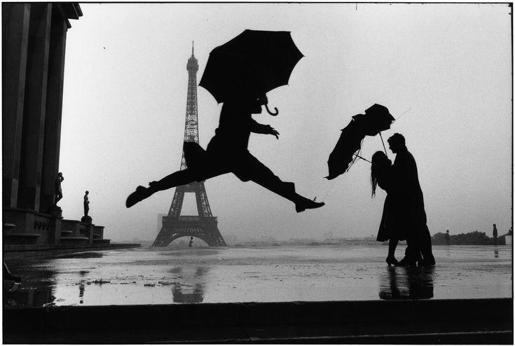 Elliot Erwitt - France, Paris (1989)
