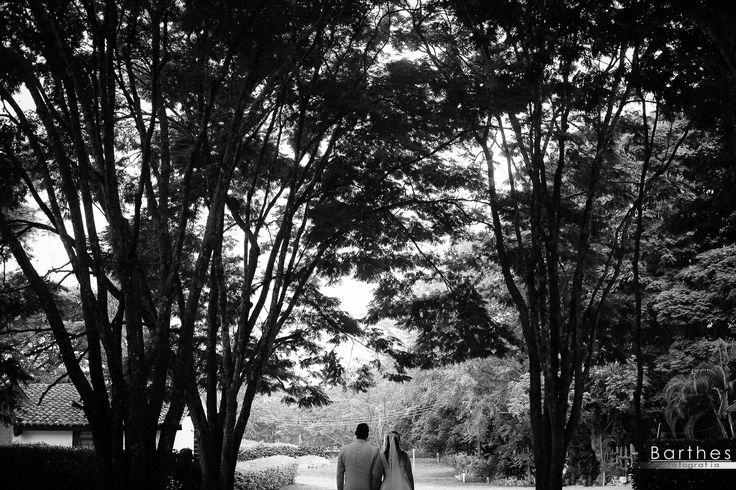 Boda Julian y Mariela, Hacienda Montana cali, Matrimonios en cali, Fotografias de Boda en blanco y negro, fotógrafos para bodas en cali www.blog.barthesfotografia.com.co