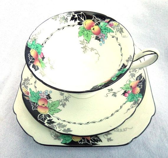 Shelley Tea Cup, Saucer & Side Plate, Porcelain Tea Trio, Gainsborough Shape, Piece No 11472, Dates to 1926, Absolutely Immaculate Condition ** This item attracts free, fully insured shipping to the UK and low cost fully insured shipping worldwide ** This pattern dates to 1926. A