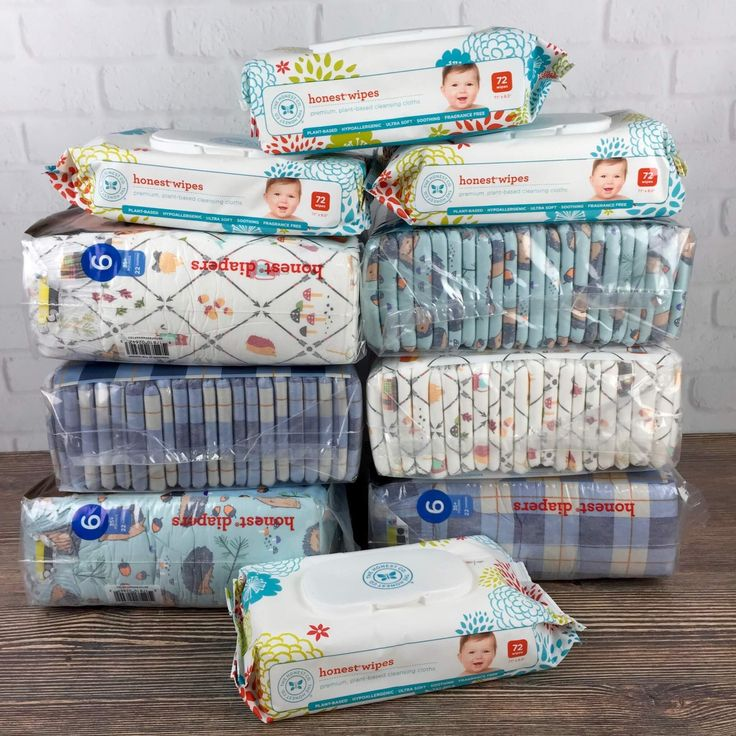 Check out our full review of the Honest Company's Diapers & Wipes Bundle + free trial deal!  - https://hellosubscription.com/2016/09/honest-company-diaper-bundle-review-free-trial-offer/ #HonestCompany #subscriptionbox