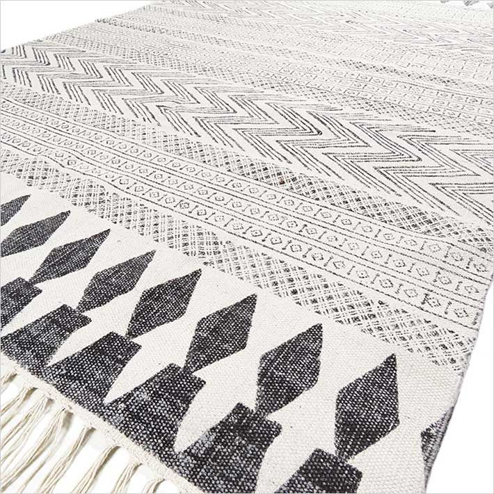 White Black Cotton Block Print Area Accent Flat Weave Woven Dhurrie Rug - 4 X 6 ft | Dhurrie Print Rugs | Eyes of India