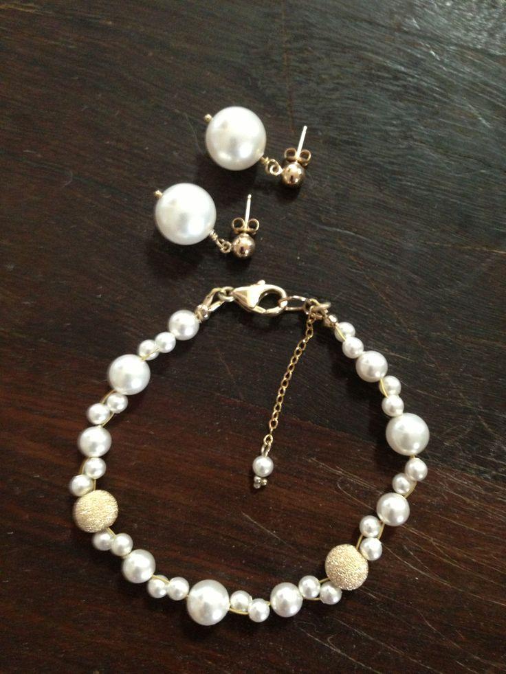 DAHLIA gold filled Swarovski pearl bracelet and stud earrings