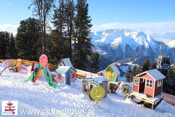 Kunterbunte Unterhaltung für kleine Skianfänger